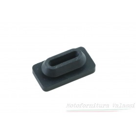 Gommino superiore coperchio batteria V35 / V50 / V65 / V75 100.920 - 19478750 Parti in gomma1,00€ 1,00€